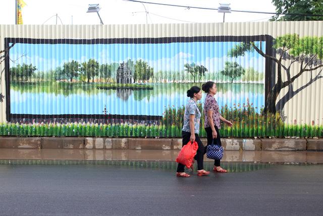 Độc đáo bức tranh 3D vẽ trên tôn dài nhất Việt Nam - Ảnh 3.