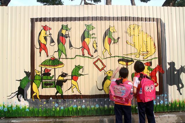 Độc đáo bức tranh 3D vẽ trên tôn dài nhất Việt Nam - Ảnh 10.